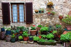 An Introduction To Rustic Tuscan Gardens