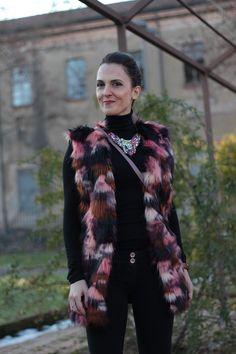 Fashion blogger, Fashion blog, Maggie Dallospedale fashion diary, fashion outfit, Faux Fur style, 6