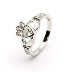 Ladies April Birthstone Claddagh Ring! :)  Future Christmas/birthday present?! I hope so !