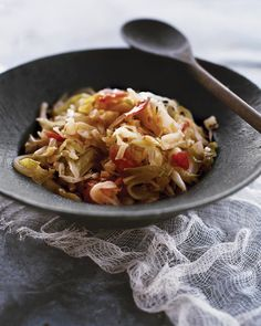 Shredded Sauteed Cabbage - want to try this with coconut oil and a bell pepper instead of the tomato.