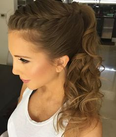 elegante updo für 2018 Would you try this hairstyle for your wedding?💛💛💛 hairstyles braids braids video videos One Step Hair Dryer & Volumizer in – Laveum frisuren flechten – Coole Frisuren Coiffure mariage facile selon la longueur des… Read Bridesmaid Hair, Prom Hair, Ponytail Hairstyles, Wedding Hairstyles, Stylish Hairstyles, Hair Ponytail, Pinterest Hair, Hair Dos, Hair Trends