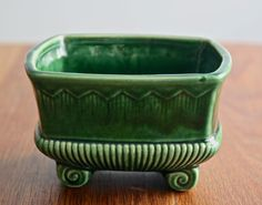 Vintage green McCoy planter vase made in USA by FlowerPowerNation. I have many of these in different shapes and sizes. So beautiful! Mccoy Pottery, Vintage Pottery, Pottery Art, Vintage China, Vintage Love, Vintage Green, Vintage Planters, Ceramic Planters, Power To The People
