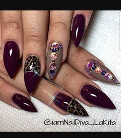 This nail design would be beautiful for fall or winter