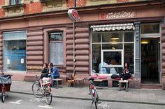 Espresso Stazione - Een minsicule café en favoriet bij de #locals! Voor een korte #pitstop om weer even bij te denken om #Karlsruhe weer verder te bekennen