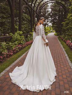 Simple Wedding Gowns, Buy Wedding Dress, Long Sleeve Wedding, Modest Wedding Dresses, Wedding Dresses Plus Size, Wedding Dress Sleeves, Colored Wedding Dresses, Bridal Dresses, Wedding Lace