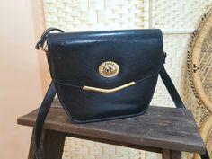 Vintage black minimalist shoulder bag - faux leather Small Shoulder Bag, Leather Shoulder Bag, Boho Kimono, Floral Midi Dress, Sweet Dress, Black Faux Leather, Cute Shirts, Simple Style, Vintage Black