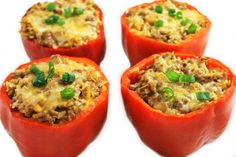 Skinny Cheeseburger Stuffed Peppers They are absolutely delicious! The filling tastes just like a cheeseburger. I've made them healthier by using extra lean ground beef, brown rice and lite cheese. Such a satisfying dinner, you… Skinny Recipes, Ww Recipes, Cooking Recipes, Healthy Recipes, Delicious Recipes, Recipies, Yummy Food, Healthy Foods, Dinner Recipes