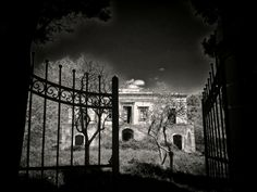 A cozy home over the gate by Franco Romano on 500px