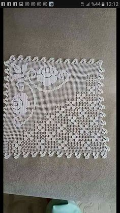 Grape filet work with diagramThis Pin was discovered by SemI like the diamond pattern, not the floral! Love Crochet, Crochet Motif, Irish Crochet, Crochet Designs, Crochet Doilies, Crochet Flowers, Crochet Lace, Crochet Patterns, Crochet Solo
