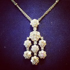 Here is a little something from @heartsonfireco to brighten up this rainy evening! #sparkle #heartsonfire #diamondsallthetime #luxury #brombergsjewelry #brombergsbride #rainynight