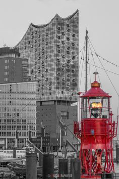 Lighthouse in front of Elbphilharmonie