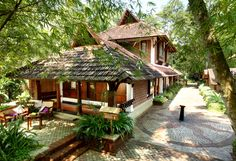 indian house plans with vastu Village House Design, Kerala House Design, Village Houses, Farm Houses, Kerala Architecture, House Architecture Styles, Kerala Traditional House, Traditional House Plans, Traditional Homes