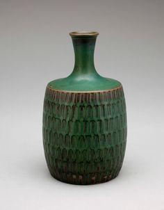 Stig Lindberg (Swedish Glaze decorated Stoneware Click the link to visit our site Stig Lindberg, Sculptures Céramiques, Pottery Art, Pottery Ideas, Pottery Designs, Pottery Techniques, Vase Shapes, Scandinavian Art, Objet D'art