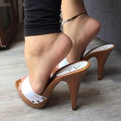 I ban them by heel get them a reason photography pins I ban them by h Beautiful Toes, Beautiful High Heels, Sexy Legs And Heels, Hot High Heels, Sexy Sandals, Bare Foot Sandals, Women's Feet, Feet Soles, Brian Atwood Shoes