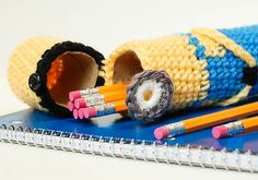 [Free Pattern] This Crochet Minion Pencil Case Is Genius!