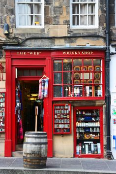 The Wee Whisky Shop, The Royal Mile, Edinburgh, Escocia Oh The Places You'll Go, Places To Travel, Whisky Shop, Famous Castles, Shop Fronts, England And Scotland, Scotland Travel, Scotland Shop, Scotland Castles