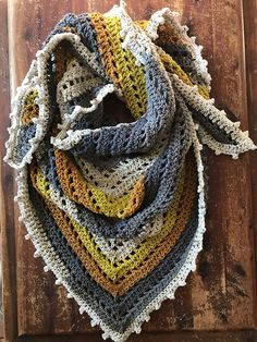 This project requires very little effort for very gratifying results. Using only a single Caron Big Cake and the most elementary of crochet stitches.One Big Cake Shawl Scarf By Nina Nicholson - Free Crochet Pattern - (ravelry)One Big Cake Scarf. Caron Cake Crochet Patterns, Caron Cakes Crochet, Crochet Edging Patterns, Crochet Motifs, Crochet Stitches, Prayer Shawl Crochet Pattern, Knitting Patterns, Crochet Shawl Free, Cowl Patterns