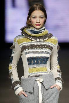 Aldo Martins   Blog Knitwear Fashion, Knit Fashion, Sweater Fashion, Womens Fashion, Chunky Knitwear, Old Sweater, Cool Sweaters, Knitting Designs, Pulls