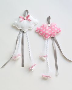 Baby Baptism Favors bonbonieres by letsdecorateonline on Etsy Felt Crafts, Fabric Crafts, Sewing Crafts, Diy And Crafts, Sewing Projects, Christening Favors, Baptism Favors, Baby Baptism, Baptismal Souvenir