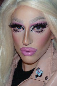 Cabaret, Drag Makeup Tutorial, Rupaul Drag Queen, Exotic Makeup, Beauty Killer, Drag Queen Makeup, Heavy Makeup, Pink Wig, Makeup Humor