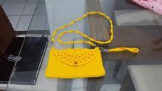 Bolsa de croché. Hermes, Bags, Fashion, Crochet Pouch, Handbags, Moda, Fashion Styles, Fashion Illustrations, Bag