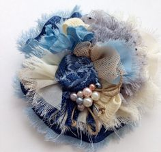 Шило в попе или колье в стиле бохо))) | Страна Мастеров Denim Flowers, Cloth Flowers, Fabric Roses, Paper Flowers Diy, Fabric Ribbon, Lace Flowers, Flower Crafts, Brooches Handmade, Handmade Flowers