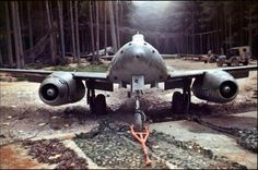 The fighter Schwalbe (serial number - W. 111 of the fighter unit (Jagdverband JV of the Luftwaffe, captured by US forces in a forest near Burgau. were assembled. Ww2 Aircraft, Fighter Aircraft, Military Aircraft, Luftwaffe, Messerschmitt Me 262, Fighter Pilot, Fighter Jets, Air Fighter, Me262