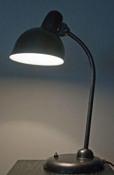 "Lampe Kaiser Idell 6551 ""Graphite Invasion Series"" environ 1935. Bauhaus moderniste."