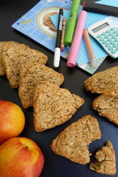 Mézes zabkeksz recept Clean Eating, Sweets, Cookies, Desserts, Food, Rolled Oats, Crack Crackers, Tailgate Desserts, Eat Healthy