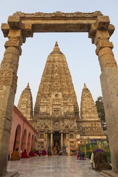 #Mahabodhi #Temple #Bodhgaya #Bihar, #India Travel Trolley has a wide range of information about #India whether its about nearby #hotels, #Flights and #Loca Temple India, Hindu Temple, Buddhist Temple, Indian Temple Architecture, Ancient Architecture, Bodh Gaya, Monuments, Amazing India, India And Pakistan