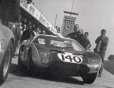 This is an optimal variant of a Vintage Racing, Vintage Cars, Vintage Auto, Le Mans Series, Classic Car Insurance, Racing Events, Ford Gt40, Lincoln, Touring