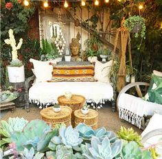 caravan ideas 24980972918693829 - jardin recup deco boheme mobilier Source by cocondedeco Outdoor Rooms, Outdoor Living, Outdoor Decor, Outdoor Sheds, Outdoor Lounge, Patio Bohemio, Terrazas Chill Out, Bohemian Patio, Bohemian Style