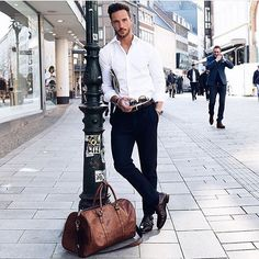 #mulpix #ManBagMonday | @magic_fox starting his Monday with class and character. #ManAndBag Showcasing Men's Accessories and Style. Not all pics belong to us unless stated. Email us for feature enquiries. Follow us on Facebook, Twitter & Tumblr: 'ManAndBag' #MensWear #ManBag #Accessories #OOTD #PicOfTheDay #IGDaily #Fashion #CityMen #CityStyle #SmartLook #MensFashion #MenInSuits #Dapper #MensFolder #MensStyle #Folder #Style #Trendy #Trending #MenInSuits #TheLook #Sma