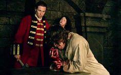 Outlander postmortem: EP Ronald Moore, director Anna Foerster talk violent prison scenes | EW.com
