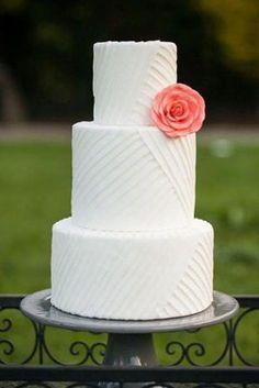 wedding blog, white wedding cakes