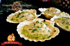Coquilles Saint-Jacques à la fondue de poireaux Its delicate taste makes it one of the favorite dishes for Christmas or festive dinner. In this recipe of scallops with leek fondue Lunch Recipes, Meat Recipes, Scones Ingredients, Taste Made, Scallop Recipes, Party Food And Drinks, Vegan Butter, Scallops, Casserole Recipes