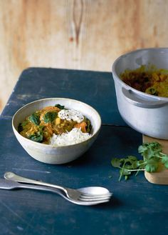 Sweet Potato, Red Lentil and Coconut Curry - The Happy Foodie Pea Recipes, Curry Recipes, Veggie Recipes, Veggie Food, Daniel Fast Recipes, Vegetarian Curry, Lentil Curry, Chicken Tikka, Coconut Curry