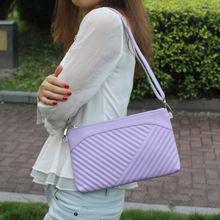 Túi xách nữ thời trang, thiết kế họa tiết nổi bật, màu sắc nữ tính