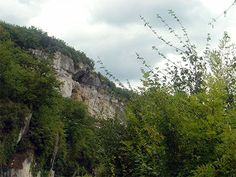 Laugerie Haute cliffs 9th Cave