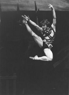 Looking Back at Mikhail Baryshnikov's 1974 ABT Debut - Dance Magazine Street Dance, Dance Magazine, Mikhail Baryshnikov, Male Ballet Dancers, Bernadette Peters, Russian American, Rudolf Nureyev, American Ballet Theatre, Ballet School