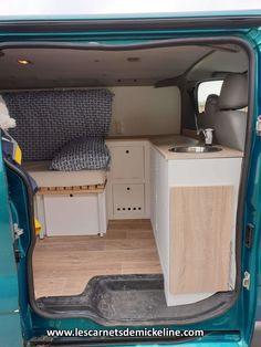 Astuces Camping-car, Camper Furniture, Vw Conversions, Caravan Conversion, Nissan Elgrand, T4 Camper, T4 Transporter, Minivan Camping, Kombi Home
