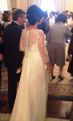 ¡Nuevo vestido publicado!  Rosa Clará – T40 ¡por sólo 750€! ¡Ahorra un 52%!   http://www.weddalia.com/es/tienda-vender-vestido-novia/rosa-clara-t40-18/ #VestidosDeNovia vía www.weddalia.com/es