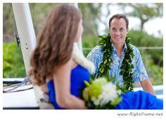 www.rightframe.net - Beautiful Destination Waimanalo Beach Wedding in Oahu. photography, photographer, weddings, photos, bride , groom, hawaiian, romantic, ideas, Bellows, Lanikai, couple, bouquets, lei.