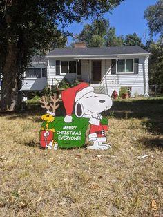 Peanuts Christmas Tree, Christmas Tree Yard, Christmas Manger, Christmas Yard Decorations, Snoopy Christmas, Charlie Brown Christmas, Pig Pen, Before Christmas, Christmas Ideas