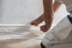 Måla på tapet – så gör du, steg för steg – Anza Måleriverktyg Interior Design, Nest Design, Home Interior Design, Interior Designing, Home Interiors, Apartment Design, Interior Decorating