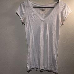 Abercrombie white short sleeve v-neck White. Short sleeve. V-neck. Soft. Worn once. Abercrombie. Cute Abercrombie & Fitch Tops Tees - Short Sleeve