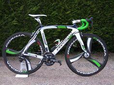 Pinarello Dogma w/ Corima carbon wheel