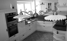 Schwarz/weiß oder mit Farbe - immer ein Blikfang unsere Küchen Kitchen Cabinets, Home Decor, Monochrome, Colors, Interior Design, Home Interior Design, Dressers, Home Decoration, Decoration Home