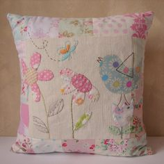 : Cushion patchwork flower and bird applique