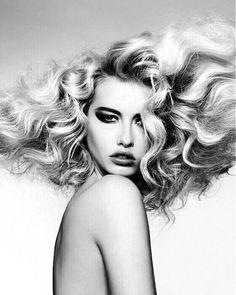 The Beauty Experience Crazy Hair, Big Hair, Your Hair, Hair Inspo, Hair Inspiration, Whoville Hair, Bombshell Hair, All Hairstyles, Medium Short Hair